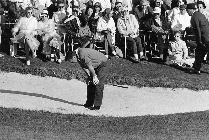 At the 1961 Masters, Arnold Palmer was poised to win his third Masters title, but he double bogeyed the 18th to hand Gary Player his first green jacket.