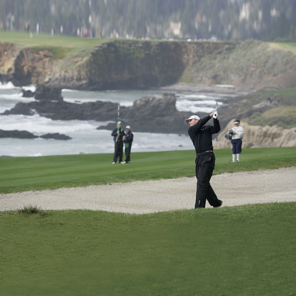 Kevin Sutherland started the final day at Pebble Beach tied with Phil Mickelson, but he missed six putts inside 8 feet and ended the day 5 strokes behind.