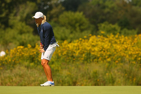 Suzann Pettersen won the first hole, but struggled to hold on to the match after that.