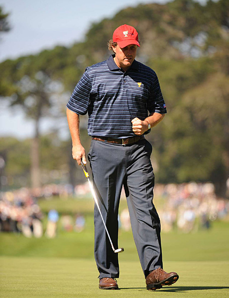 has continued the stellar play that he showed in winning the Tour Championship. He and Justin Leonard beat Retief Goosen and Adam Scott, 3 and 2.