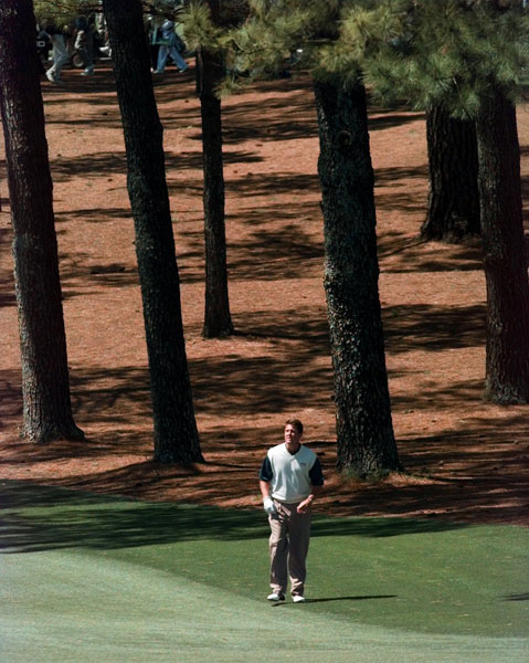 While Tiger Woods was on his way to winning his first major at the 1997 Masters, Mickelson failed to make the cut.
