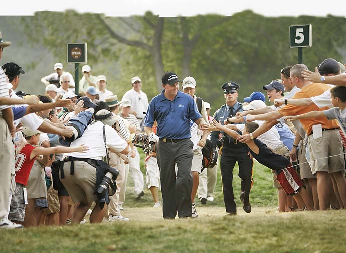 Phil Mickelson greets fans on Saturday at the 2005 PGA Championship at Baltusrol.