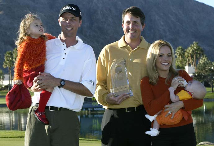 Amanda Mickelson, Bones McKay, Phil Mickelson, Amy Mickelson and Sophia Mickelson pose with the trophy during the Bob Hope Chrysler Classic at PGA West in La Quinta, California.