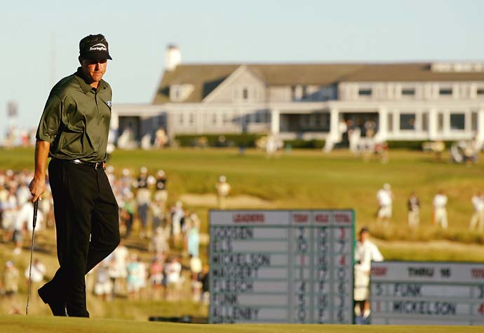 Phil Mickelson reacts after making a double bogey on the 17th hole during the final round of the U.S. Open  golf championship at Shinnecock Hills Golf Club in Southampton, N.Y., June 20, 2004.