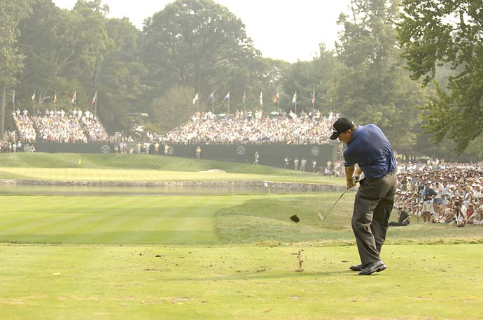 Phil Mickelson tees off on 4th hole Sunday at the 2005 PGA Championship at Baltusrol, Mickelson's only win at the fourth major.