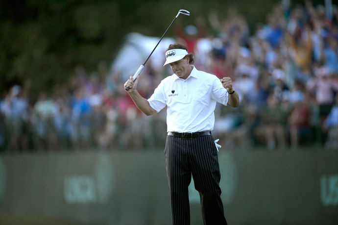 Phil Mickelson birdied 18 to tie Billy Horschel heading into the weekend at the U.S. Open.