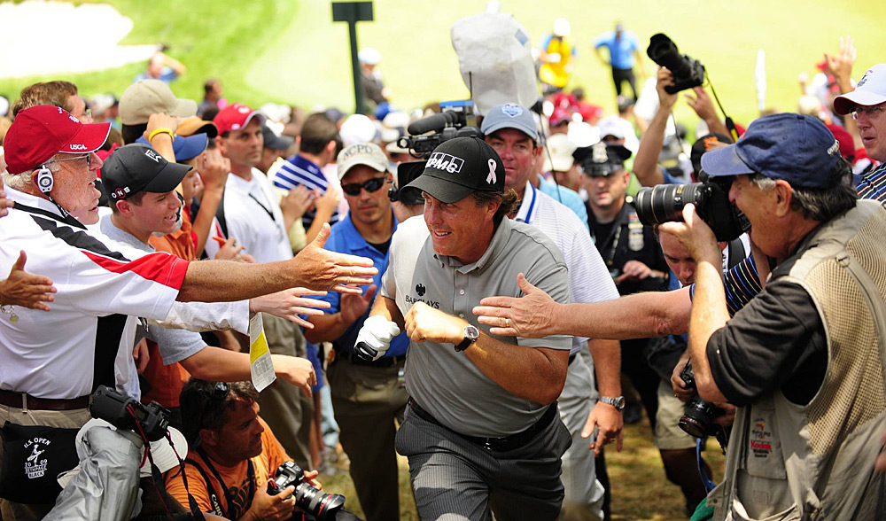 Mickelson, whose wife, Amy, had just been diagnosed with breast cancer, was once again embraced by the crowds at Bethpage.