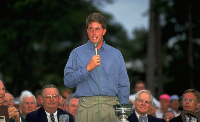 Mickelson finished as the low amateur and gave a speech at the closing ceremony.
