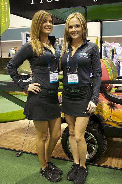 Melissa Ragini, left, and Rachael McNamara demostrated Pro Putt Systems' indoor putting greens for PGA Show attendees on Thursday. For more information, visit ProPuttSystems.com.