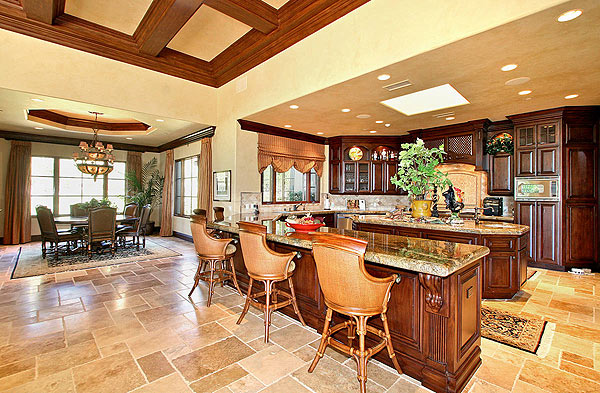 The kitchen.                                               View more GOLF.com Dream Homes                       The property is listed with K. Ann Brizolis & Associates