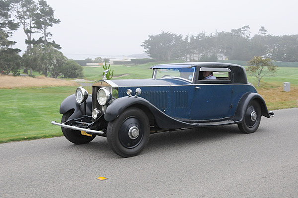 A 1932 Rolls-Royce Phantom II Continental Windover Coupé.