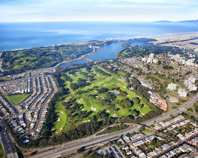 SAN FRANCISCO GOLF CLUB  (No. 18 U.S.; No. 27 World)                           The Internet boom has birthed a zillion millionaires in San Francisco, but you won't find any of them at this old-money club. Bloodlines, not bankrolls, are what matter here, at an A.W. Tillinghast-designed redoubt whose entrance is so discreet (it's tucked beside a freeway, down a narrow alley, behind a church) members have been said to get lost trying to find it.