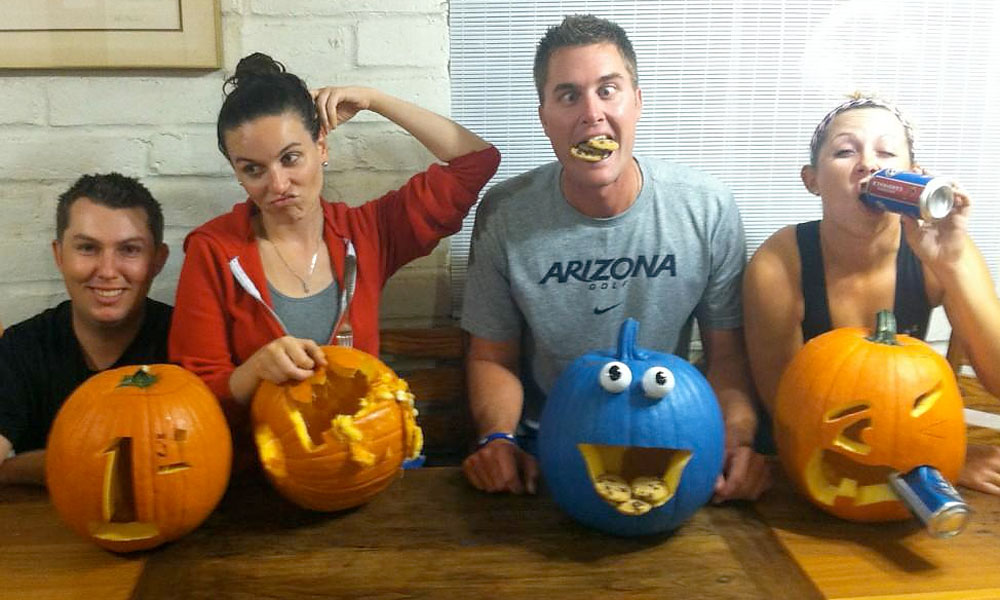 Symetra Tour player and former Big Break contestant Sara Brown: @SaraBrownGolf: Pumpkin carving contest w/the Fam @THECACTUSTOUR #mommaB voted winner @DerekRadleyGolf #cookiemonster @JoshBrownGolf