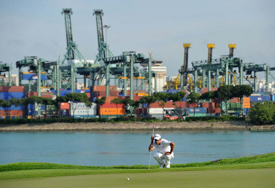 Adam Scott made three birdies and three bogeys for a 71.