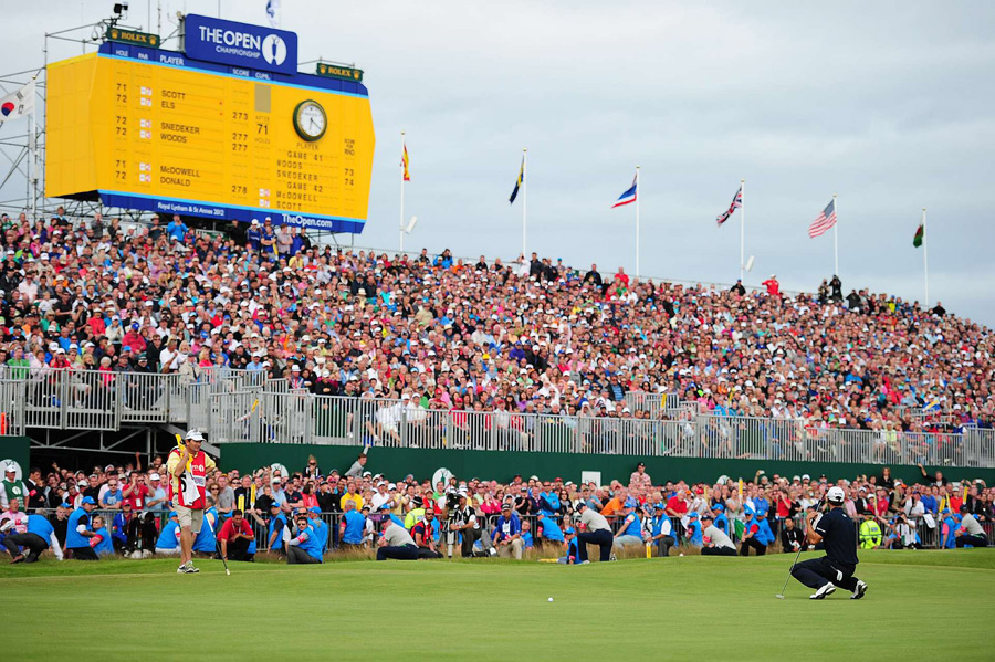 Adam Scott led by four strokes with four holes to go, but he bogeyed the last four holes to finish second.