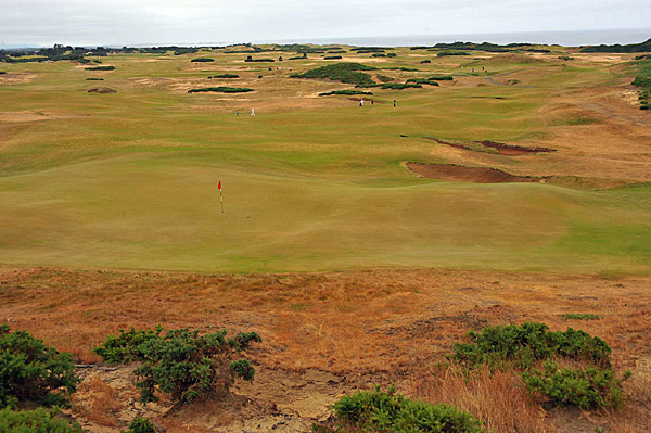 The pair first played what many consider the best course at Bandon Dunes Golf Resort—Pacific Dunes—followed by Bandon Dunes, Old Macdonald and finally Bandon Trails.
