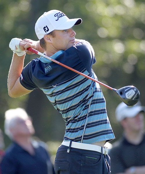 Nick Watney fired an opening-round 67 to finish near the top of the leaderboard.