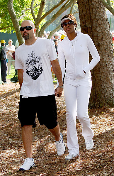 Both Hank and Venus come from athletic families. Hank, who won the 1998 U.S. Amateur, has a sister, Kelli, on the LPGA Tour, and a brother, Trip, who finished second to Tiger Woods at the 1994 U.S. Amateur. Of course, Venus and Serena Williams are the most successful sister act sports has ever seen, with 20 Grand Slam singles titles between them. (Venus has seven Grand Slam wins and Serena has 13.) Hank and Venus began dating in 2006 but are no longer together.Both Hank Kuehne and Venus Williams come from athletic families. Hank, who won the 1998 U.S. Amateur, has a sister, Kelli, who played on the LPGA Tour, and a brother, Trip, who finished second to Tiger Woods at the 1994 U.S. Amateur. Of course, Venus and Serena Williams are the most successful sister act sports has ever seen, with 20 Grand Slam singles titles between them. (Venus has seven Grand Slam wins and Serena has 13.) Hank and Venus began dating in 2006 but are no longer together.