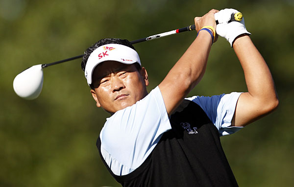 K.J. Choi made three bogeys and a birdie for a two-over 73.