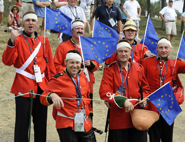 European fans watched the foursomes match of Henrik Stenson and Oliver Wilson against Phil Mickelson and Anthony Kim.