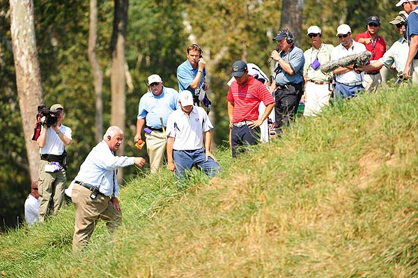 Garcia's ball was deemed unplayable on the fifth hole after discussing the situation with a rules official and Kim.