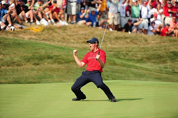 Hunter Mahan kept his match alive by sinking a lengthy putt to win the 17th hole. He went on to lose the last hole and halve his match with Paul Casey.