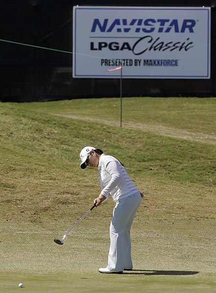 Jeong Jang shot a bogey-free 65.