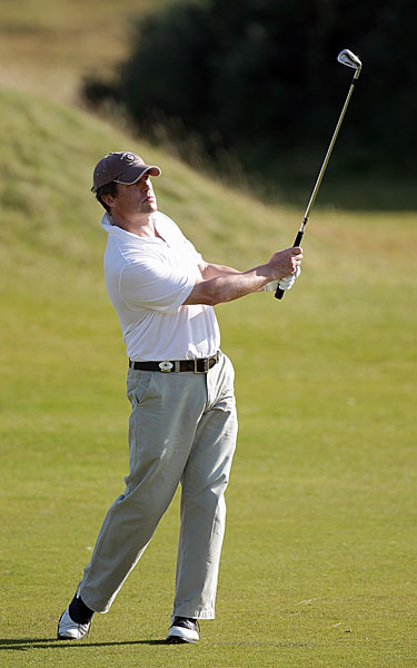 Hugh Grant worked on his game Wednesday at Kingsbarns.