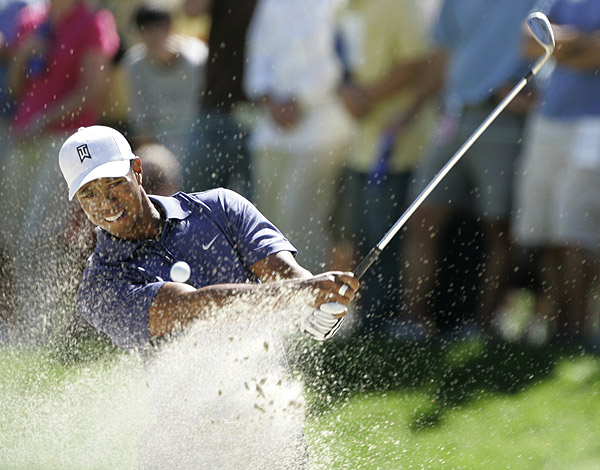 Tiger Woods bogeyed the 17th hole to finish at ten under par.