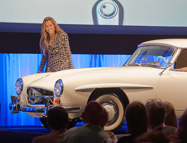 Sheryl Crow auctioned off a classic Mercedes of her own at the event's corresponding auction.