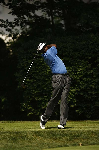 Final Round of the Barclays                           Vijay Singh won the Barclays for a record fourth time, beating Sergio Garcia and Kevin Sutherland in a two-hole playoff.
