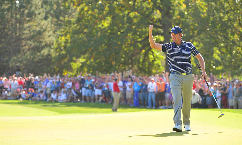 Webb Simpson was on fire Saturday afternoon, making seven birdies and carrying teammate Bubba Watson to a 5-and-4 victory over Justin Rose and Francesco Molinari.