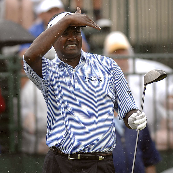 Last week's winner at Bay Hill, Vijay Singh, tried to keep an eye on his drive at No. 1. He shot a 2-over 74.
