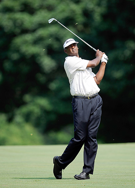 Vijay Singh is tied for third after an opening-round 68.