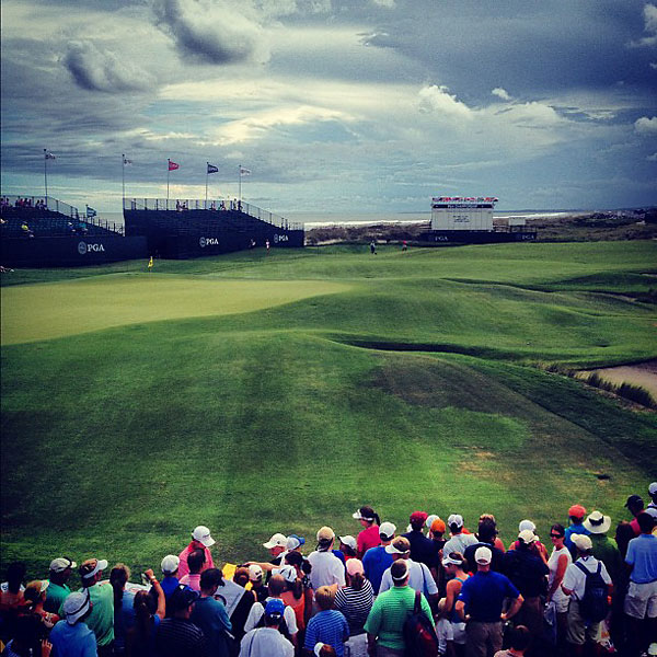 """@StephanieWei: 18 green from the overpass. #moreclouds #ocean"""