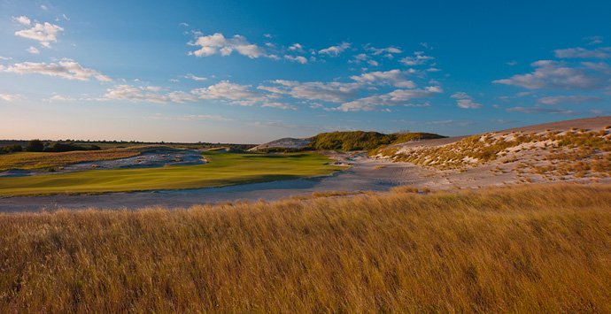 Streamsong (Red), No. 52 U.S.                       Compared to its sibling Blue course, the Red course at Streamsong is tighter and offers more drama, perhaps giving it the edge among those seeing each course just once. For its collection of superb holes, Streamsong Red earns the distinction of highest-debuting U.S. course.