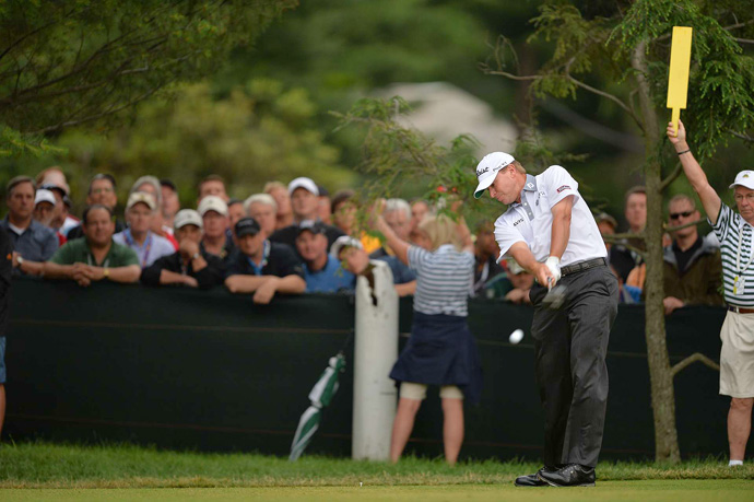 Steve Stricker birdied two of his last three holes for a 71.