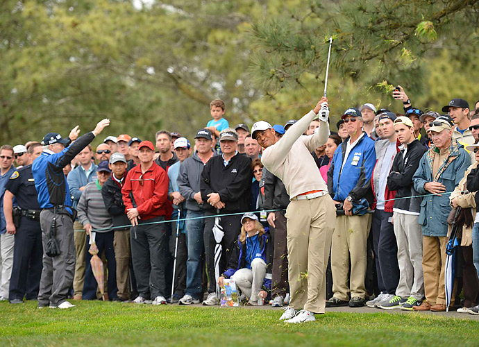 Tiger Woods opened with a four-under 68 Thursday at the Farmers Insurance Open.