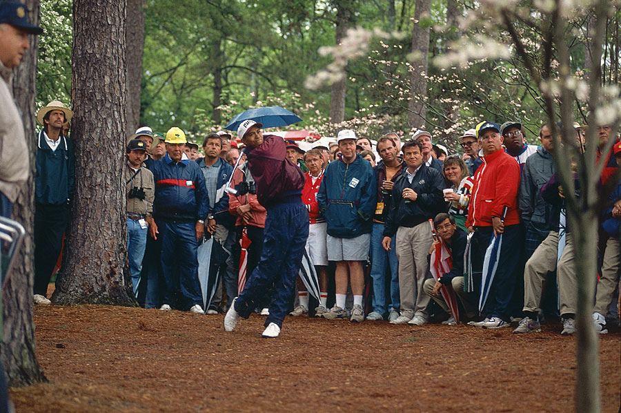 U.S. Amateur champion Tiger Woods made the cut in his first Masters start in 1995.