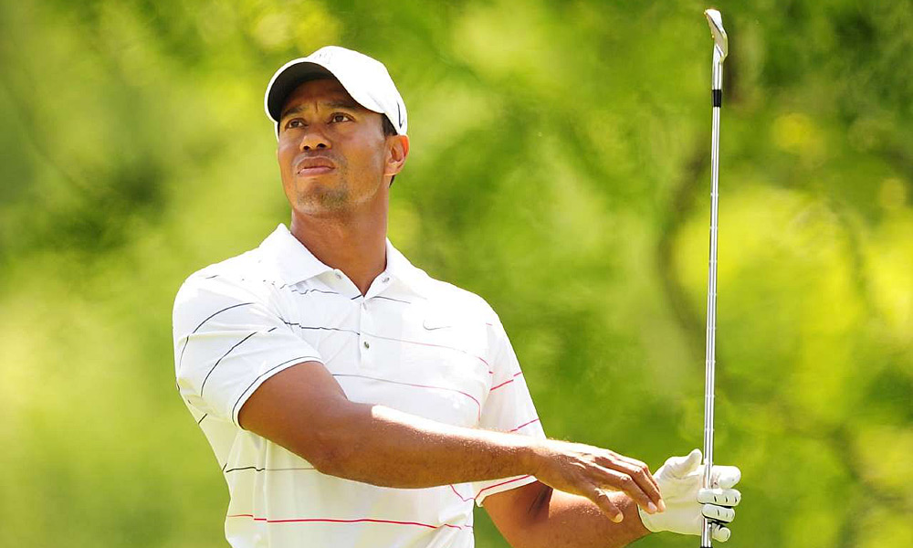 Tiger Woods recovered from a double bogey on 18 to shoot a two-under 70.