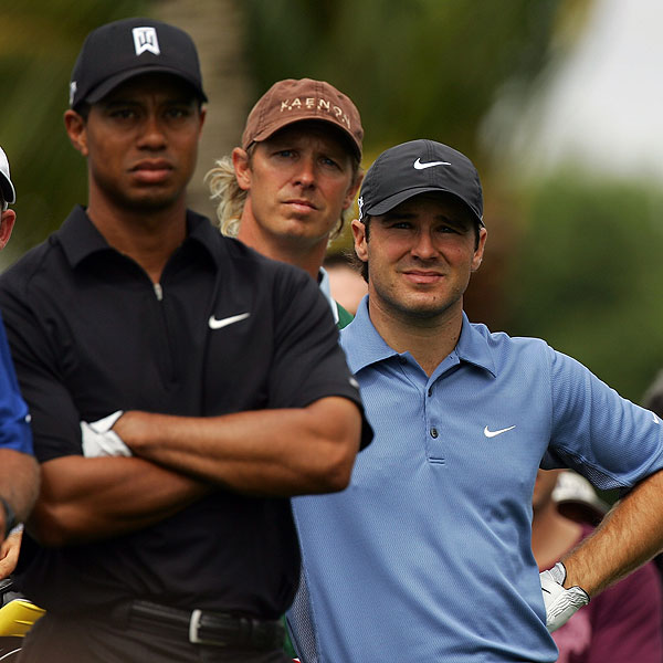 Woods and Trevor Immelman, who was T16, waited to hit their tee shots.