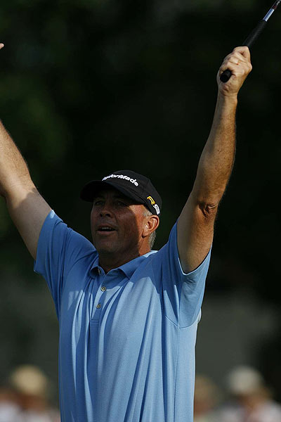 Three bogeys and a double bogey dropped Tom Lehman out of contention, but he sunk a long putt on 17 for birdie.