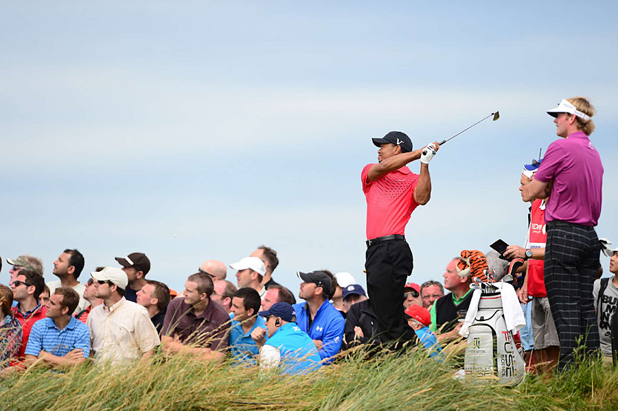 Tiger Woods tied for third after a three-over 73.