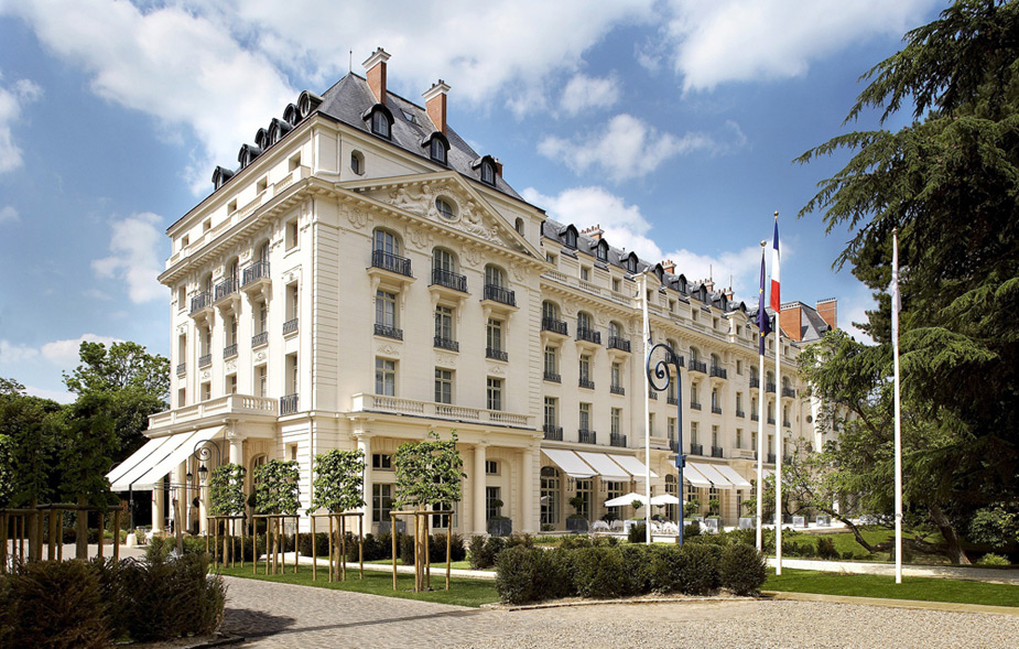 "Best Reason to Stay in Your Hotel Room                       The Trianon Palace Hotel in Versailles, France, was a relief after Le Golf National's brutal L'Albatros course, the 2018 Ryder Cup host with water on 15, 16 and 18. (""Room service! Un autre soufflé, s'il vous plaît..."")"