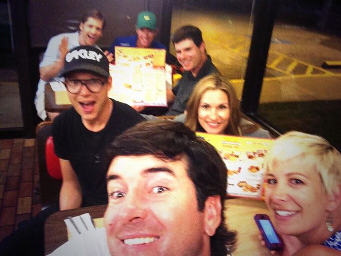 @bubbawatson: Champ dinner @WaffleHouse! #hashbrowns #covered