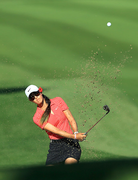 Michelle Wie struggled to a 77.