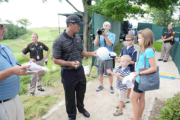 Woods's on-course behavior was markedly improved at the Bridgestone Invitational, something Woods has said he is working on since his scandal erupted late last year.