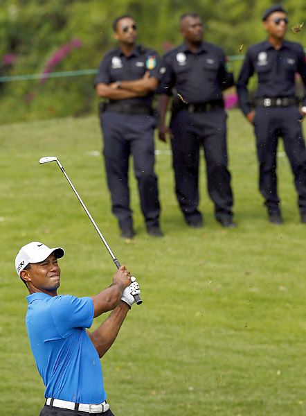 Woods fired an opening-round 66 to get within three shots of the lead.