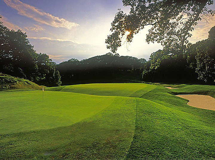Yale University Golf Club -- No. 9, 235 yards -- New Haven, Conn.                       Ready for an Ivy League education on the artistry of golf course architecture? You play over a lake and a fronting bunker, but the signature feature of this stunner is the deep depression that runs across the green: the hallmark of what some have called the greatest Biarritz hole in the world.