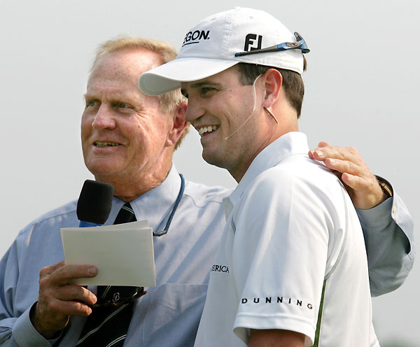 At the Memorial Tournament, Johnson participated in Jack Nicklaus's clinic.